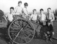 The Cart Bramcote School / Theirhistory / CC BY-NC-SA 2.0